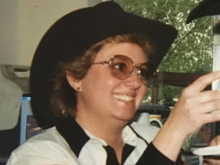 "Obituary -- Lorna Jayne ""Dudley"" Thompson"
